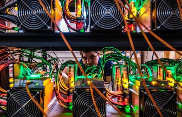بیت مین در حال راه اندازی 200000 اسیک در فارم های چین