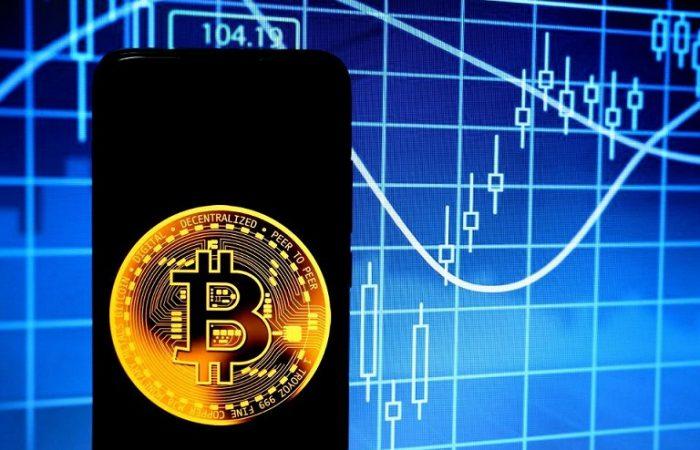 بررسی هلوینگ بیت کوین و پیش بینی صعود این ارز تا 400,000 دلار